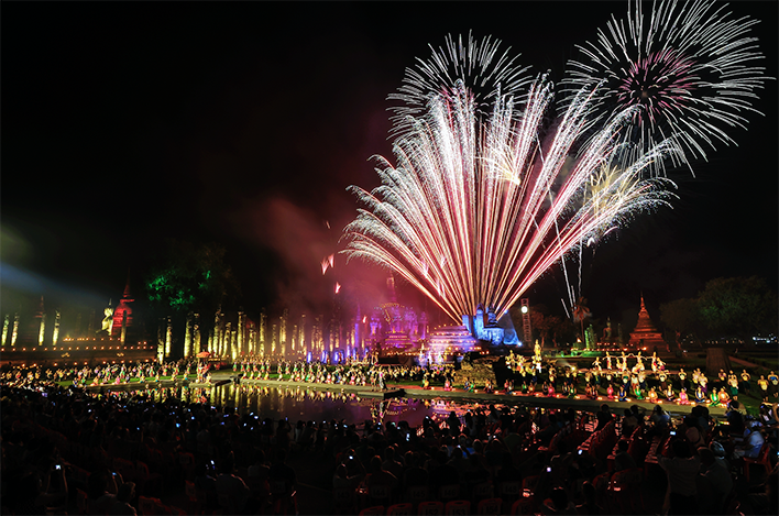 วันลอยกระทง (Loi Krathong Festival) ขึ้น 15 ค่ำ เดือน 12